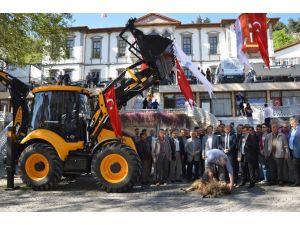 Niksar Belediyesi Makine Parkını Güçlendirdi