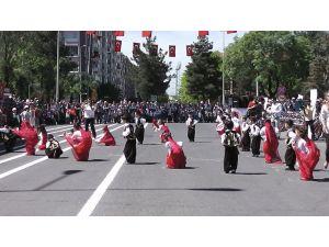 Diyarbakır'da 23 Nisan çoşkusu