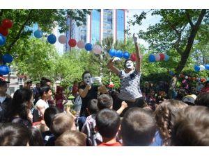 Somalı Çocuklar 23 Nisan'da Doyasıya Eğlendi