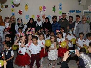 Suriyeli çocuklara moral etkinliği