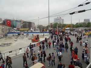 Taksim'de 1 Mayıs hazırlığı