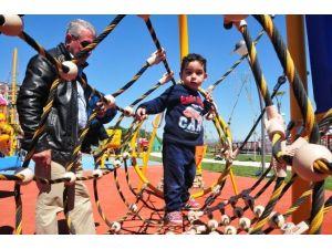 Başkan Ergün'den Çocuklara Bayram Hediyesi