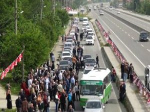 Meral Akşener, 200 Araçlık Konvoyla Karşılandı