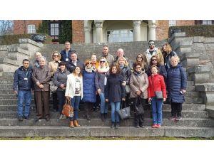 Manavgatlı öğretmenler, İsveç'te bölgesel el sanatlarını konuştu