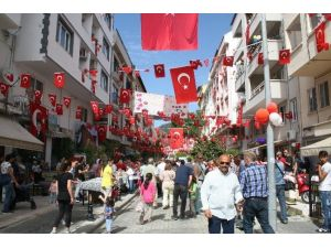 Marmaris'te 23 Nisan Kutlamalarının Adresi 105. Sokak Oldu