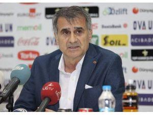 Lider Beşiktaş, Akhisar'da 1 Puana Razı Oldu