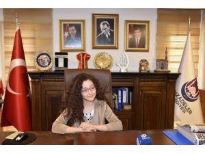 Başkan Çelik Koltuğunu Minik Pırıl'a Devretti