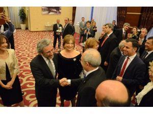Kılıçdaroğlu, Çankaya Belediyesi Ve Cumhuriyet Gazetesi'nin 23 Nisan Resepsiyonuna Katıldı