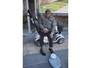 55 Yaşındaki Süleyman Kendirci'nin TEK Hayali Akülü Araba Almak