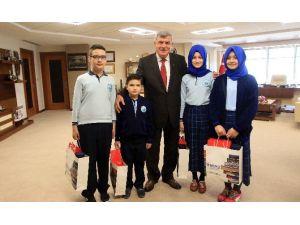 Başkan Karaosmanoğlu, Öğrencileri Misafir Etti