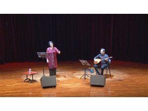 SAÜ'de 'Bir Saz Bir SES' Adlı Konser Düzenlendi