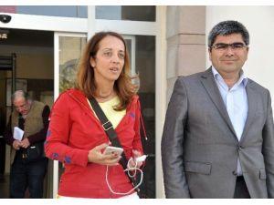 Cumhurbaşkanına Hakaret Eden Çifte Pasaportu Gazeteci Serbest