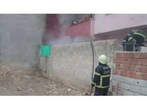 Evde Çıkan Yangın Korkuttu