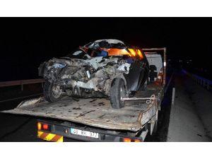Köyceğiz'de Ot Yüklü Traktör Otomobille Çarpıştı, 2 Ağır Yaralı