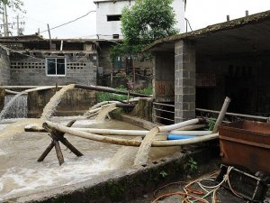 Çin'de maden ocağını su bastı