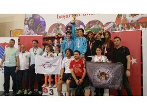 Kağıtsporlu Eskirimciler Alanya'da Şampiyon Oldu