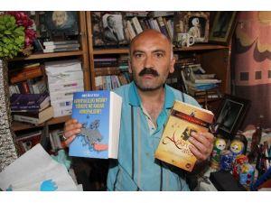 20 Yılda 4 Bin Kitap Okudu