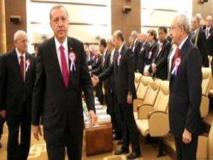 Kılıçdaroğlu Ayağa Kalktı, Erdoğan Elini Sıkmadı