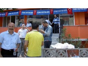 Türk Eğitim Sen Şehitlere Mevlit Okuttu