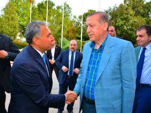 Erdoğan'a, Adana Kebabı İkram Edildi