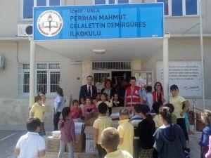 Urla Kızılay'dan Çocuklara Ayakkabı