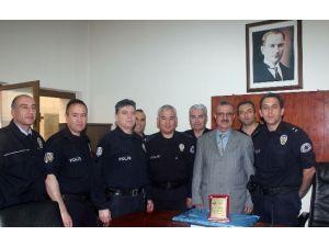 Adliyenin Emektar Polisi Davut Alp Emekli Oldu