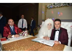 Bakşan Üzülmez, Yeğeninin Nikahını Kıydı
