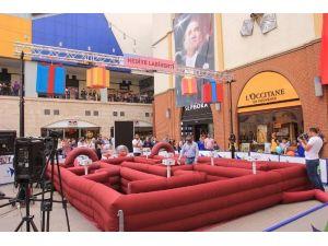 Forum Mersin'de Hediye Labirenti Her Gün Bir Tablet Kazandırıyor