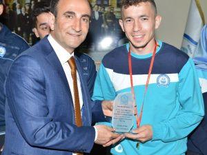 Yıldırımlı İşitme Engelli Atlet Türkiye Şampiyonu Oldu