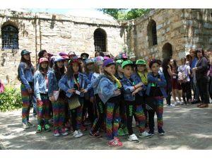 Dünya Gençleri Kültür Keşfinde
