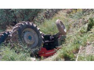 Traktör Uçurumdan Yuvarlandı: 1 Yaralı