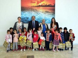Çocuklardan Rektör Şimşek'e Ziyaret