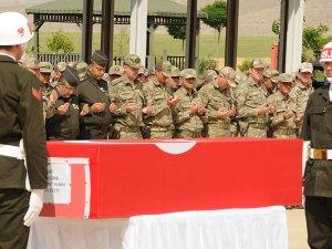 Şehit Uzman Onbaşı Yılmaz için tören