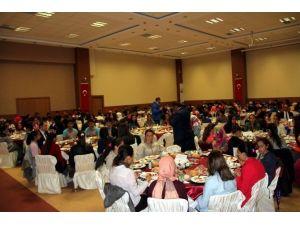 İncesu'da TEOG Sınavına Girecek Öğrencilere Kahvaltı Verildi