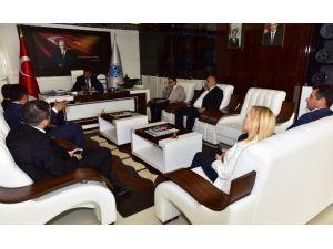 Malatya Tanıtım Platformu Yönetimi, Başkan Gürkan'ı Ziyaret Etti