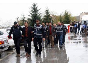 Yozgat'ta Fetö/pdy Operasyonunda Gözaltına Alınan 6 Kişi Adliyeye Sevk Edildi