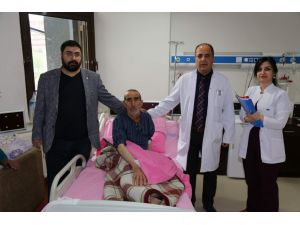 75 yaşındaki hasta ameliyatla felç olmaktan kurtarıldı