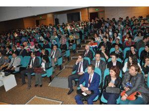 LYS Öncesi Öğrencilere 'Sınav Kaygısı Ve Başarı Yolları' Semineri
