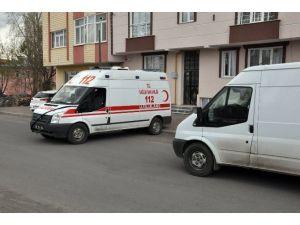 Kars'ta Genç Kadın Evinde Ölü Bulundu