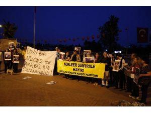 Antalya'da Çevrecilerden Nükleer Eylemi