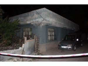 Ağabey Kız Kardeşini Ve Eniştesini Öldürdü