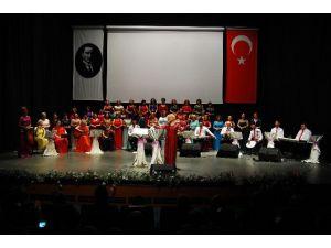Nilüfer Kadın Korosundan Anlamlı Konser