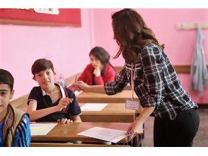 Siirt'te TEOG sınavına 7 bin 142 öğrenci girdi