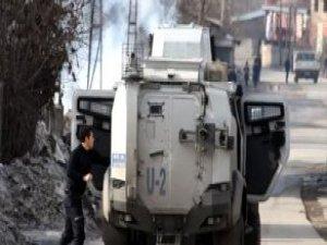 Van'da Zırhlı Araca Roketatarlı, Bombalı Saldırı! 3 Polis Yaralı