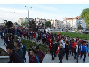 Gençler, 57. Piyade Alayı şehitleri için yürüdü