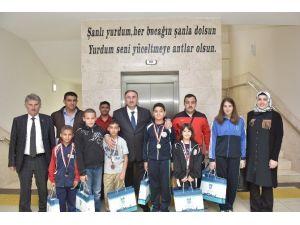 Genç Güreşçiler Türkiye Şampiyonası'nda
