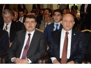 """Bakan Fikri Işık: """"KOBİ'ler Türkiye'de Verilen Kaynakları Etkin Kullanamıyor"""""""