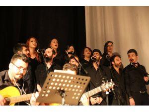 'Destanlaşan Türkülerimiz' konseri beğeni topladı