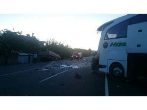 Malatya'da TIR yolcu otobüsüne çarptı: 5 yaralı