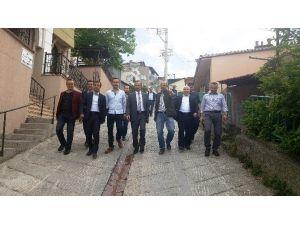 İzmit Belediyesi Mahalle Turları Devam Ediyor